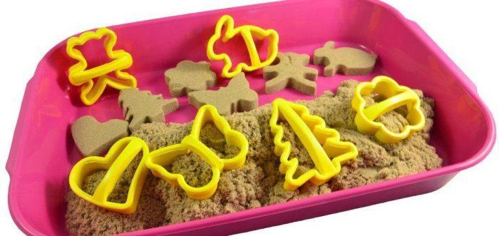 Для игры с песком лучше всего использовать специальную емкость