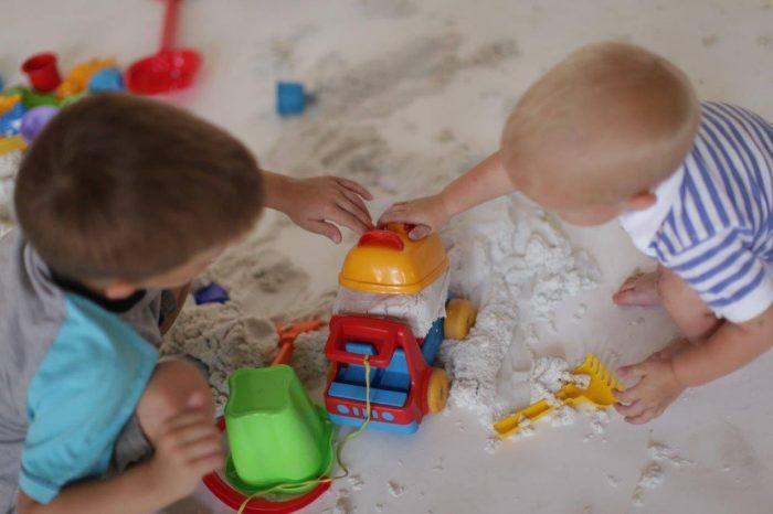 Способы игры с домашним песочком