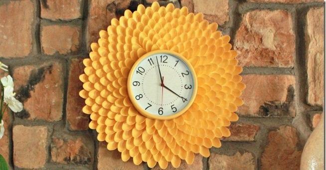 Фото готовых часов из ложек