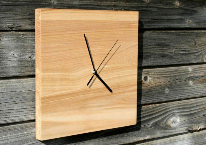 Креативные настенные часы из ясеня