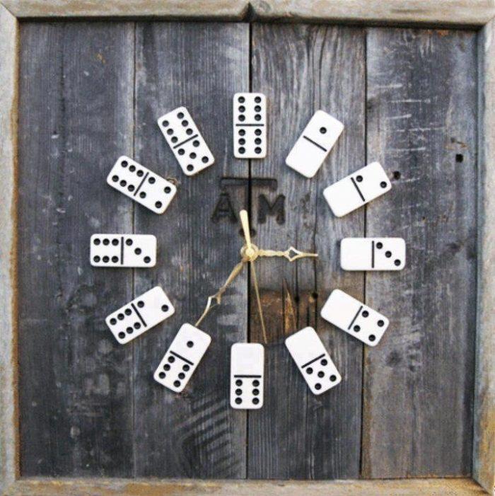 Оригинальные часы-домино