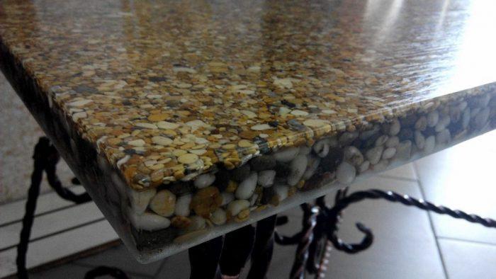 Пример каменной засыпки в столешнице