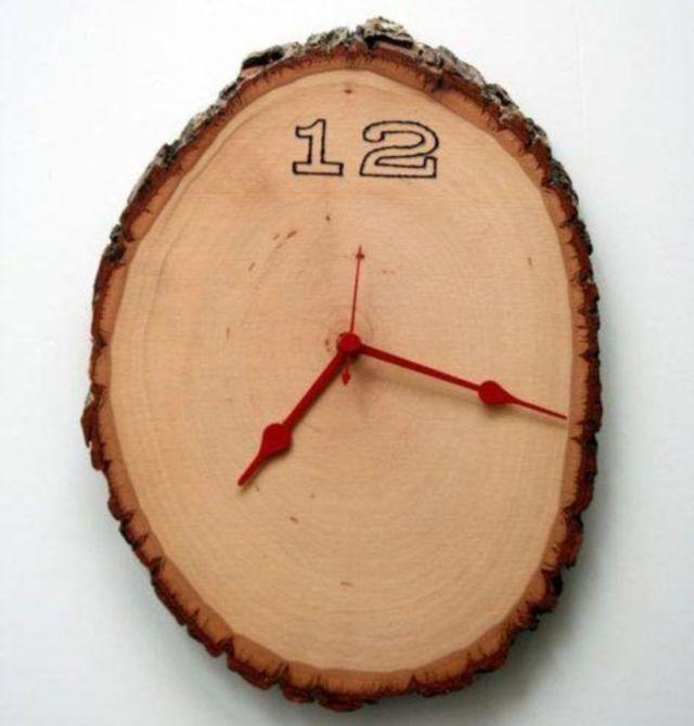 Самодельные настенные часы из дерева