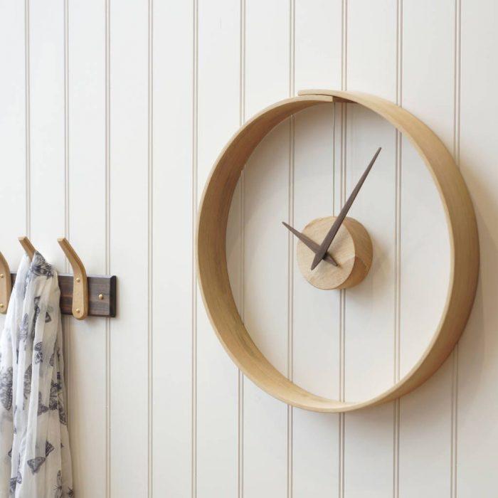 Самодельные настенные часы с оригинальным дизайном