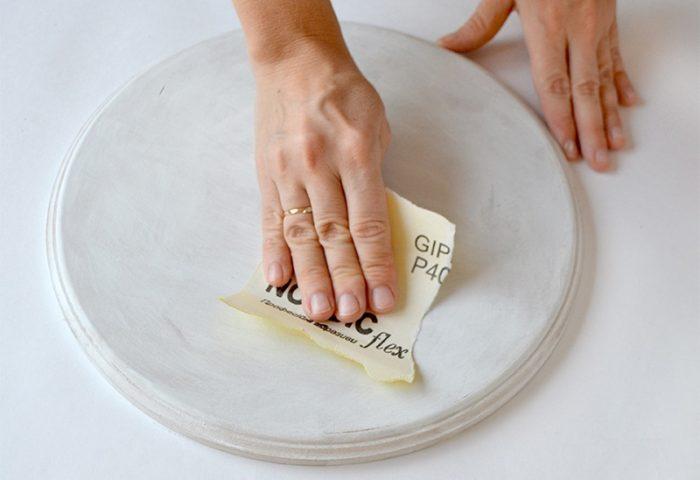 Шлифовка основы наждачной бумагой