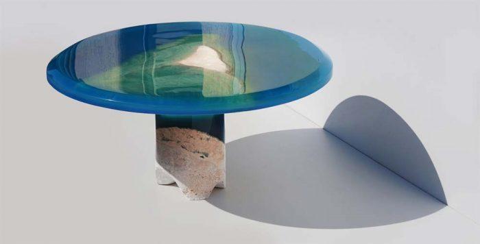 Сплошной стол из жидкого стекла