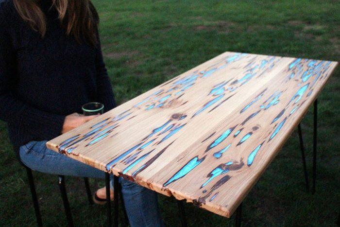 Светящийся стол из массива и эпоксидки