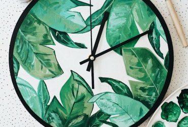 Такие красивые часы вполне можно сделать своими руками