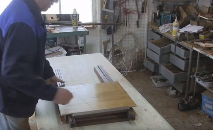Так выглядит сложенный раскладной стол