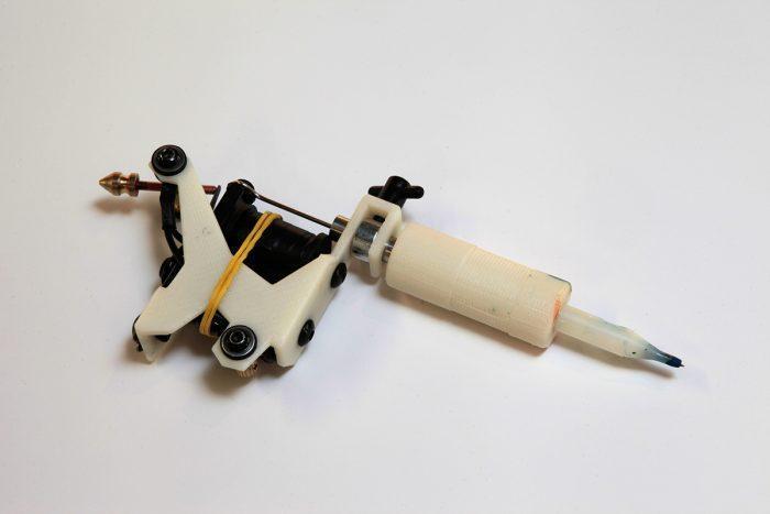 Эта тату-машинка напечатана на 3D-принтере