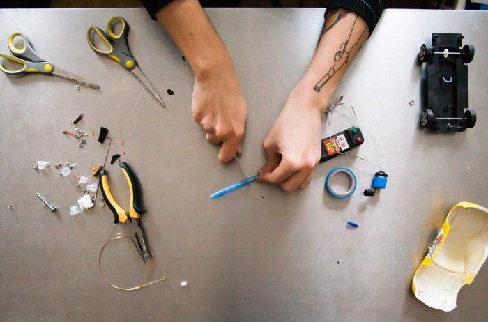 Обрезка корпуса ручки