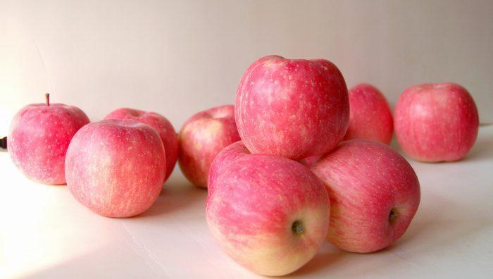 Яблоки Фуджи были привезены в Россию из Японии