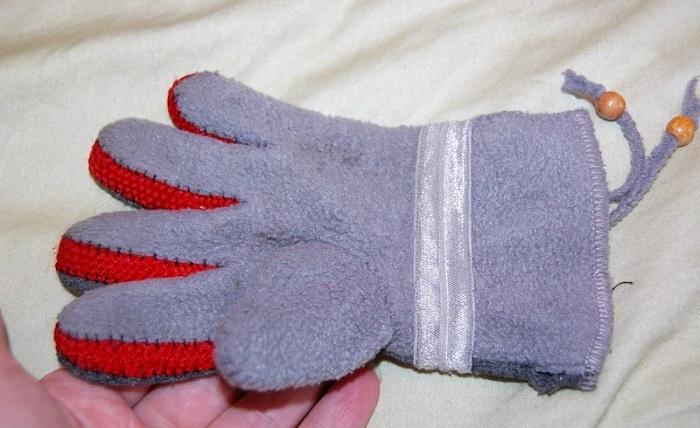 Детская перчатка из плотного трикотажа