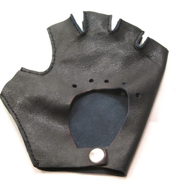 Дополнительная перфорация на перчатке