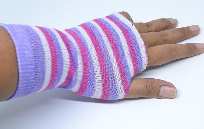 Примеряется перчатка