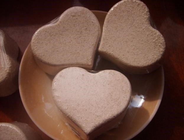 Бомбочки-сердечки с белой глиной