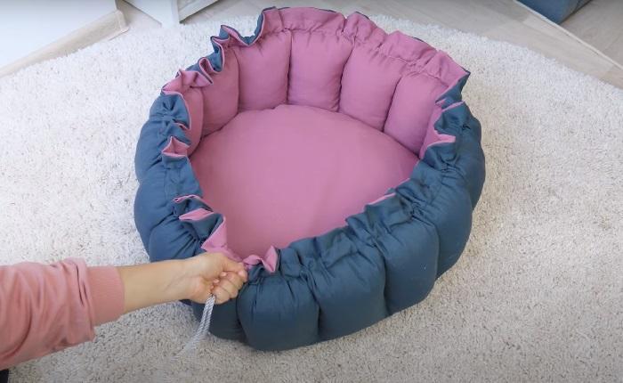 Лежанку можно превратить в кроватку