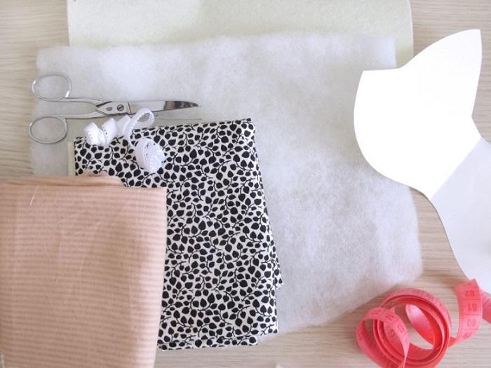 Материалы и инструменты для пошива маски «Лиса»