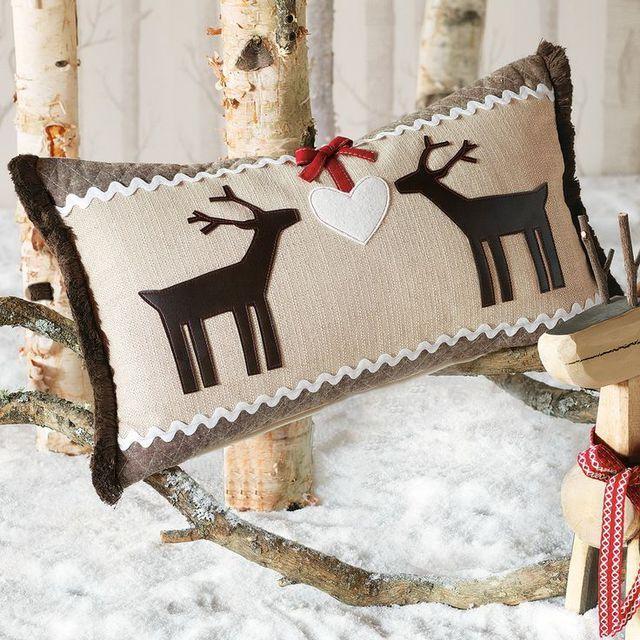 Красивая подушка в подарок