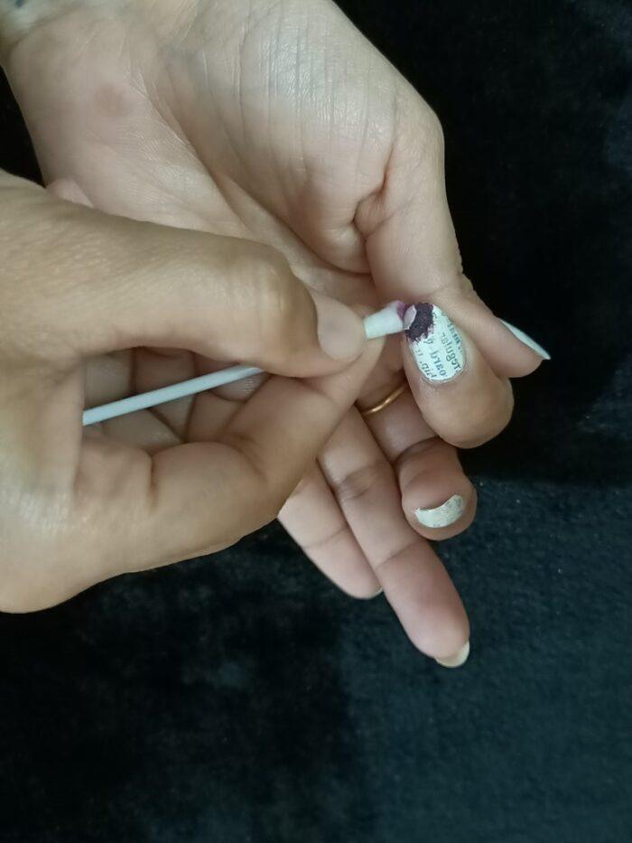 Обработка жидкостью для снятия лака